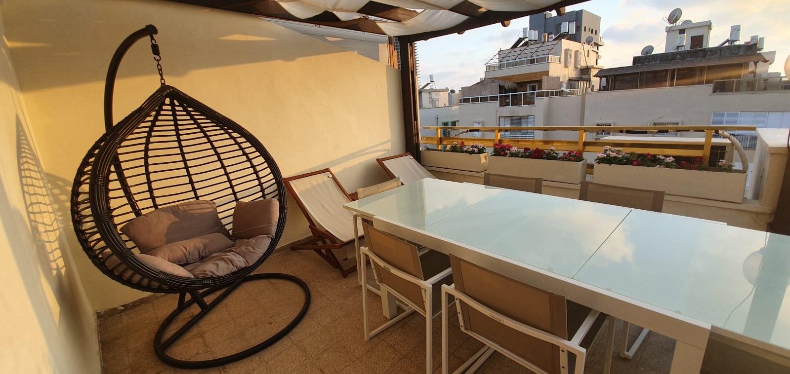 דירה למכירה 5 חדרים 2,500,000₪, בת ים