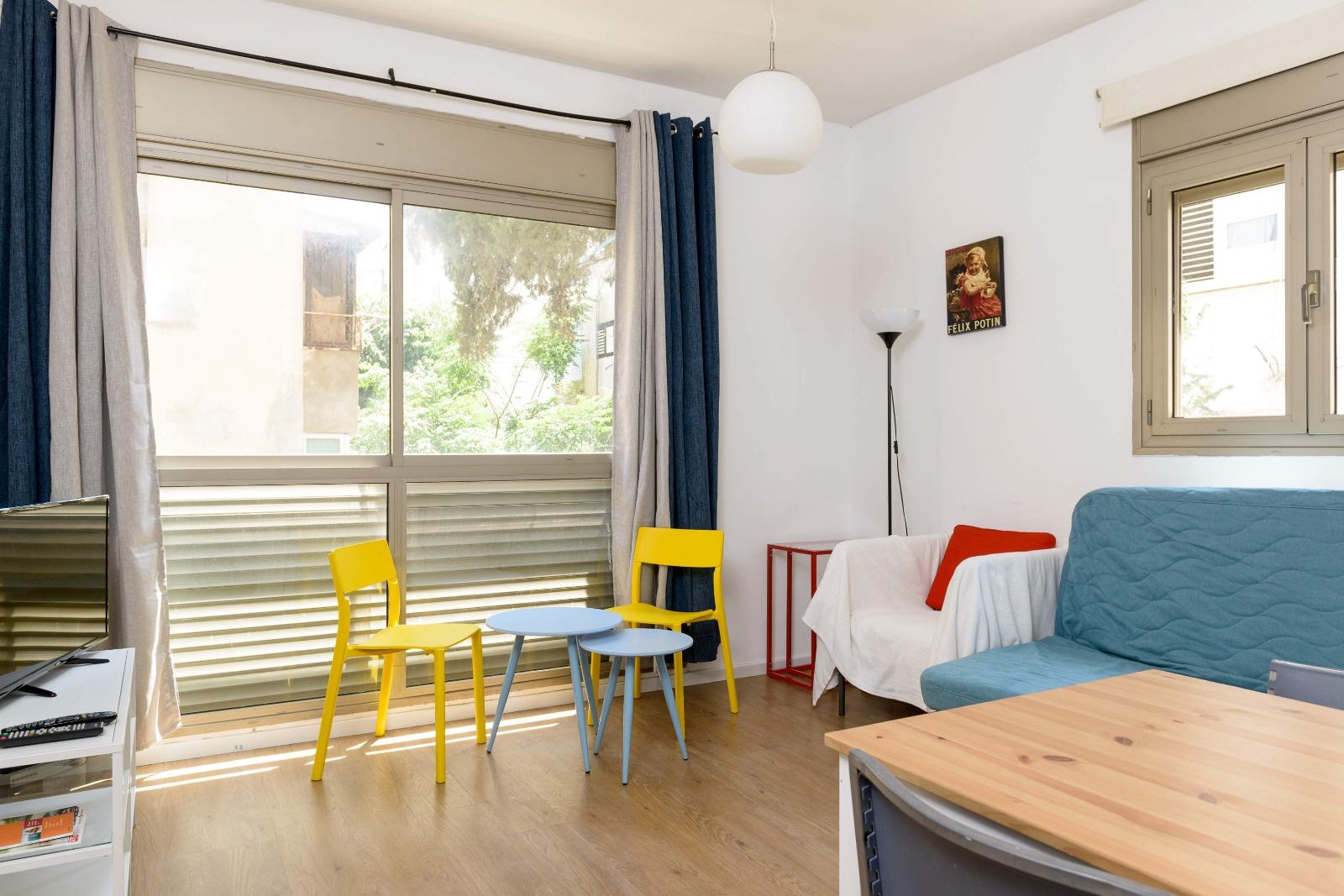 תל אביב דירה להשכרה לתקופה קצרה  2 חדרים !price$ ללילה, תל אביב