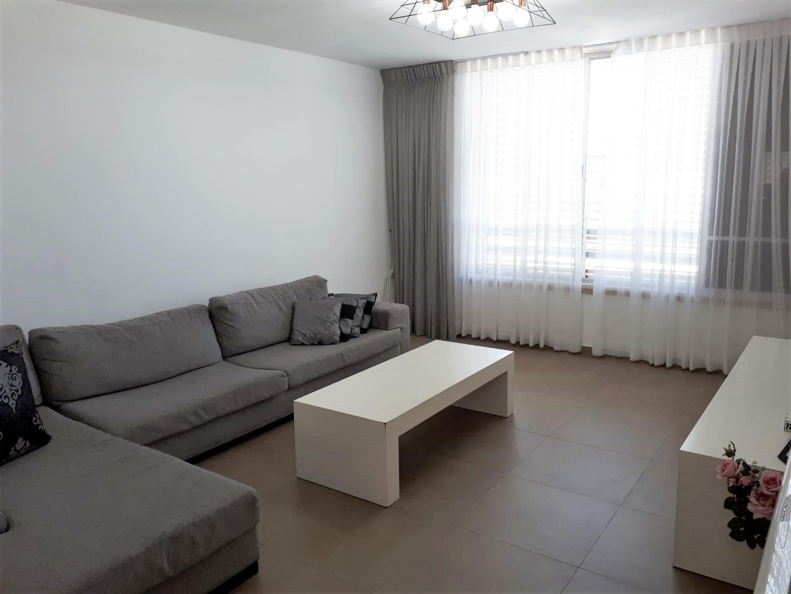דירה למכירה 4.5 חדרים 1,950,000₪, ראשל