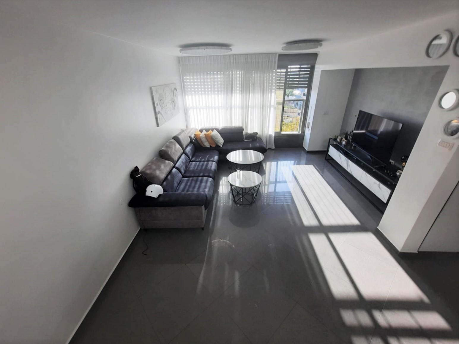 חולון דירת גג למכירה 5 חדרים 2,400,000₪, חולון