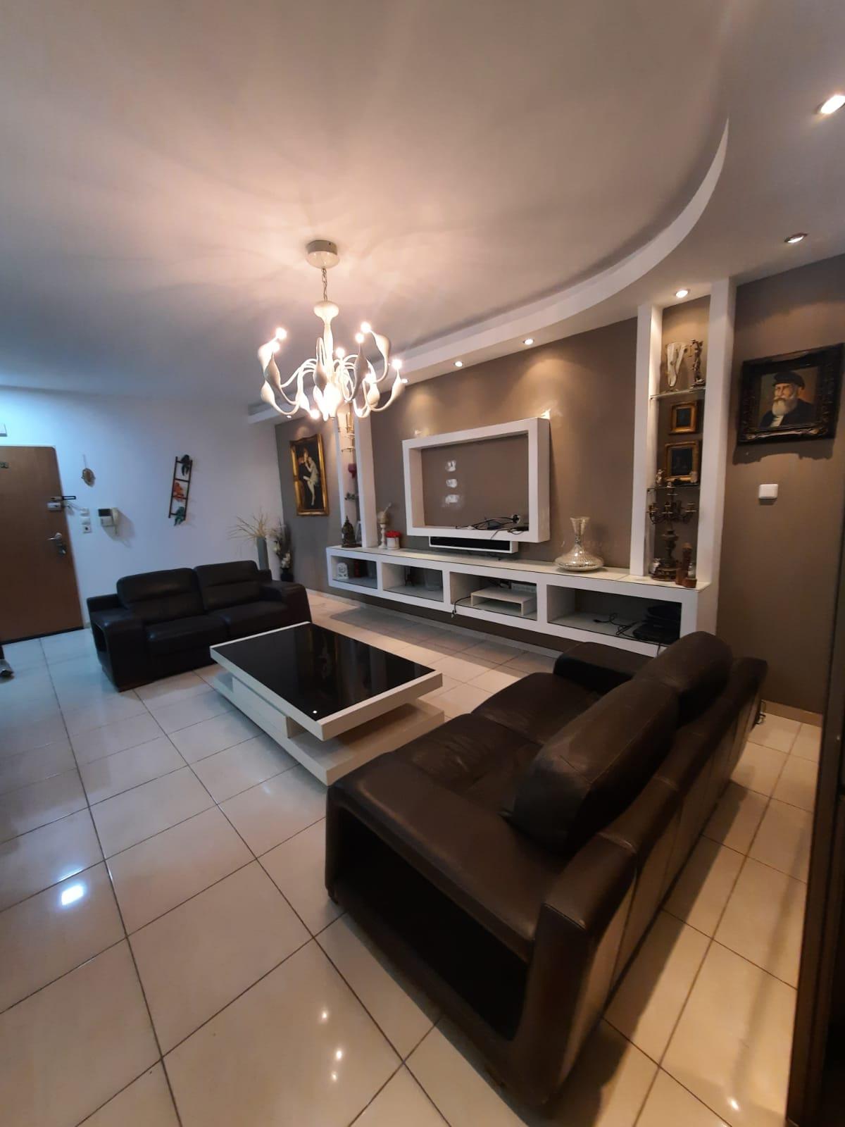 חולון דירה למכירה 5 חדרים 2,250,000₪, חולון