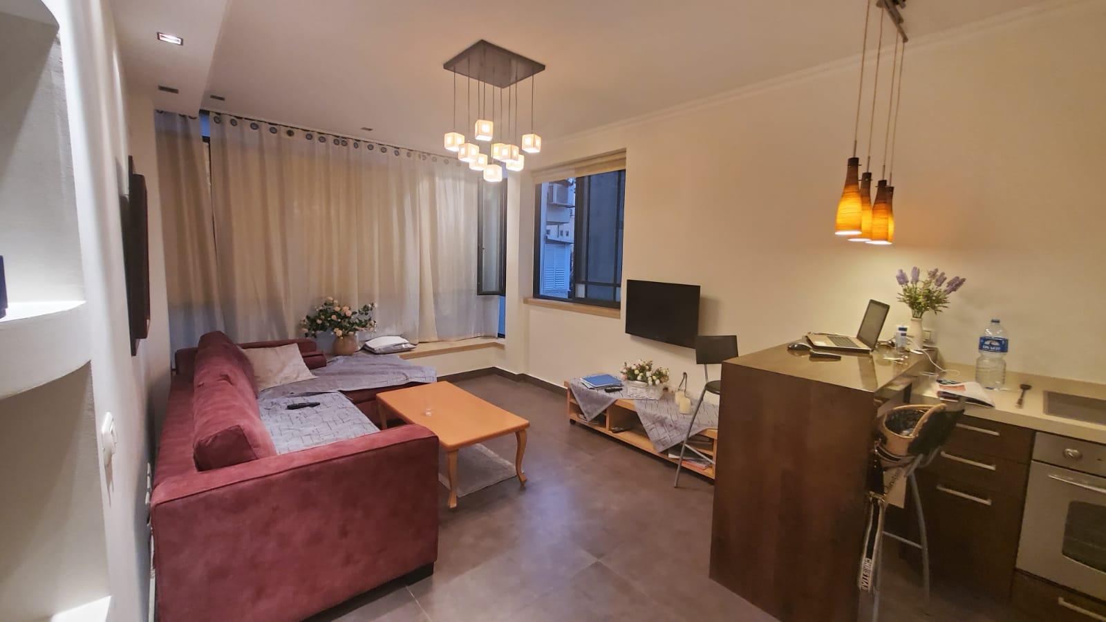 תל אביב דירה להשכרה לתקופה קצרה 2.5 חדרים !price$ ללילה, תל אביב