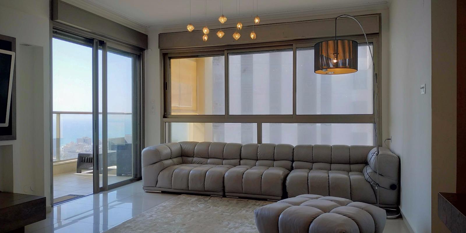 דירה להשכרה 3.5 חדרים 7,000₪ בחודש, בת ים