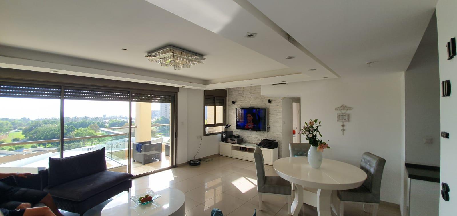 דירה למכירה 4.5 חדרים 2,890,000₪, בת ים