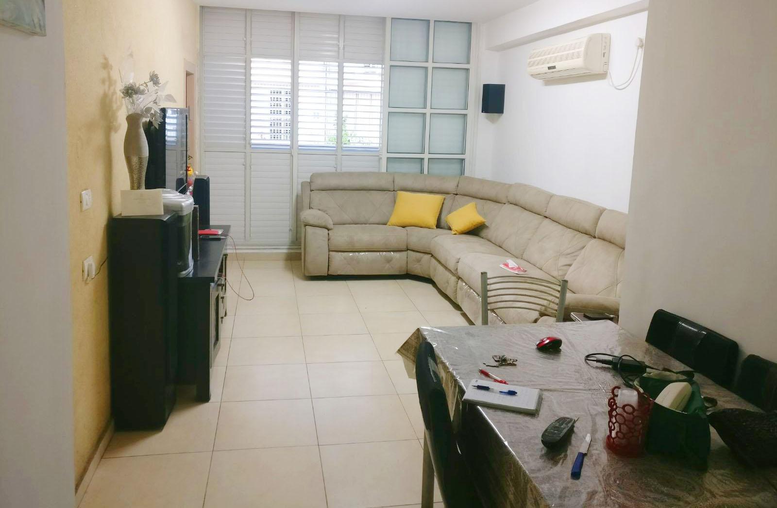 דירה למכירה 3.5 חדרים 1,800,000₪, בת ים