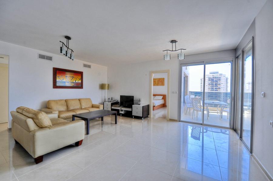 דירה למכירה 4 חדרים 2,300,000₪, נתניה