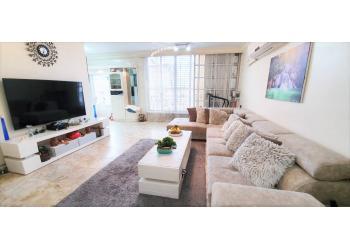 דירת גג למכירה 4.5 חדרים 2,600,000₪