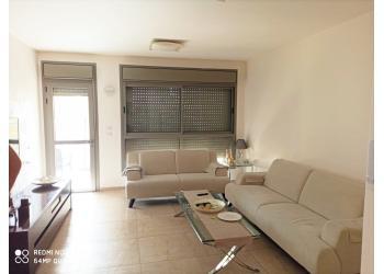 דירה למכירה 4 חדרים 2,500,000₪