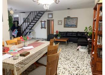 דירת גג למכירה 5.5 חדרים 2,200,000₪