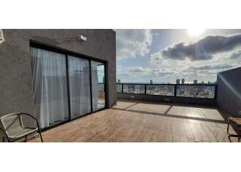 פנטהאוס למכירה 3 חדרים 2,300,000₪