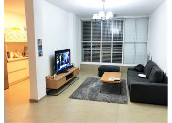 דירה למכירה 3.5 חדרים 2,100,000₪