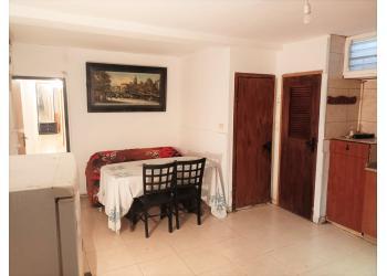 דירה למכירה 7 חדרים 1,650,000₪