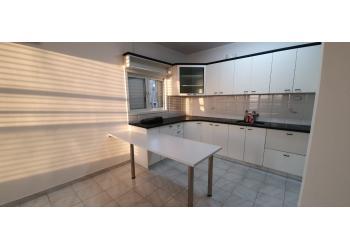 דירה להשכרה 4 חדרים 5,300₪ בחודש
