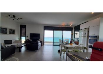 דירה להשכרה 4 חדרים 8,200₪ בחודש