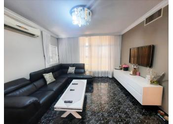 דירה למכירה 5 חדרים 2,760,000₪