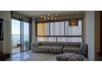 Краткосрочная аренда: Квартира 3.5 комн. !price$ в сутки
