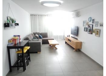 דירה למכירה 3 חדרים 1,700,000₪