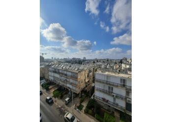 דירה למכירה 3.5 חדרים 1,700,000₪