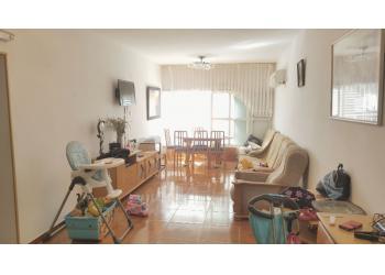 דירה למכירה 4 חדרים 1,600,000₪