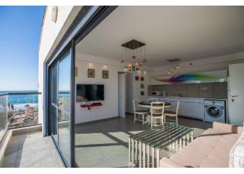 Краткосрочная аренда: Квартира 2.5 комн. !price$ в сутки