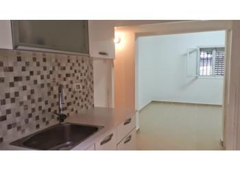 דירת גן להשכרה 2 חדרים 3,000₪ בחודש